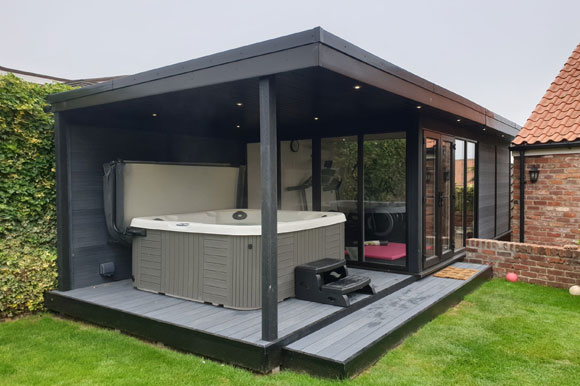Relaxing Garden Room Hot Tub Retreat Nottingham